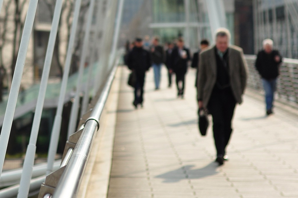 Only 6% of UK working traditional 9am-5pm hours