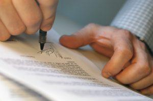 contracts and procurement legal advice